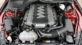"""Dafür wurde der Begriff """"Motor"""" erfunden: Acht Zylinder, reichlich Hubraum."""