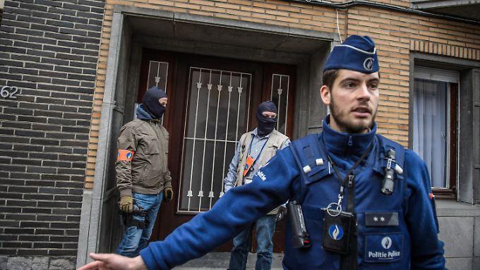 Die Sicherheitskräfte zeigen in Brüssel Präsenz.