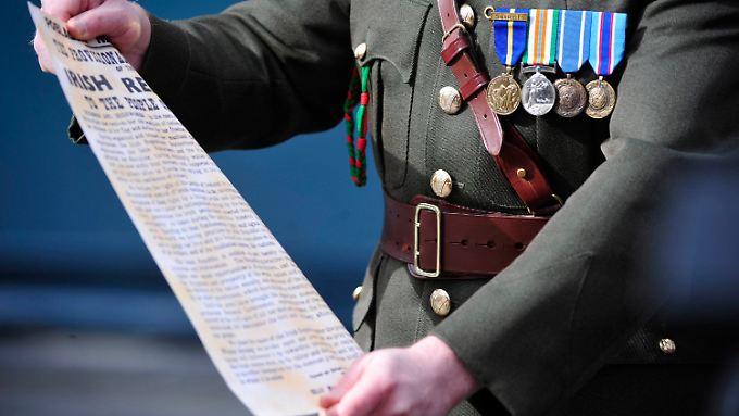 In einer aufwendigen Feier erinnern die Iren an dem Osteraufstand und seine Opfer von 1916.