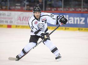Patrick Reimer von den Nürnberg Ice Tigers will mit seinem Team endlich die deutsche Eishockey-Meisterschaft gewinnen.