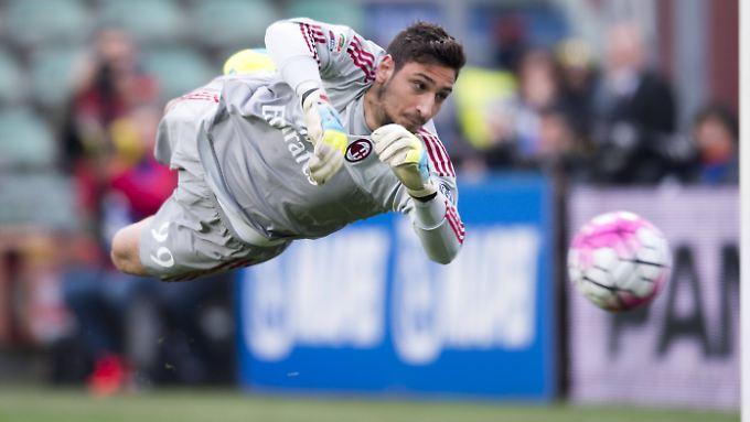 Gianluigi Donnarumma vom AC Milan steht auf der Wunschliste von CHelsea-Boss Roman Abramowitsch.