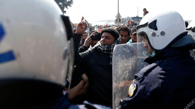 In den sogenannten Hotspots in Griechenland wie hier in Idomeni kommt es immer wieder zu Aufständen.