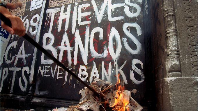 Alle Proteste sind zwecklos: Unter dem neuen Präsidenten Macri will Argentinien die Schulden bedienen.