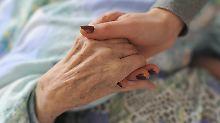 Pflege Angehöriger: Kann man sich freistellen lassen?