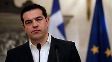 Griechenlands Premier Tsipras hat eigentlich gute Neuigkeiten - die Verhandlungen mit den Geldgebern stocken allerdings.
