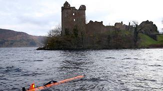 Ungeheuer von zehn Meter Länge: Nachbildung von Nessie in Loch Ness entdeckt