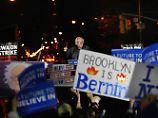 Riesige Rede in New York: Sanders feuert volle Breitseite auf Hillary