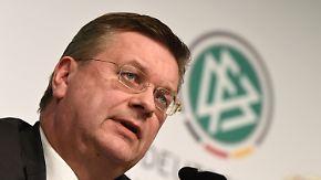 Wahl zum DFB-Präsidenten: Reinhard Grindel muss sich als Krisenmanager beweisen