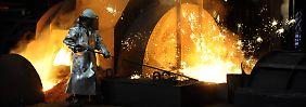 Umbau zu mehr Dienstleistungen: Stahlkrise frisst Thyssenkrupps Gewinn auf