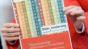 Am häufigsten am Arbeitsplatz: Jeder dritte Deutsche fühlt sich diskriminiert