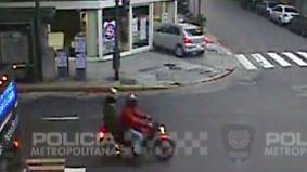"""Kaum zu glauben, aber wahr: Motorrad löst einen """"Domino""""-Verkehrsunfall aus"""