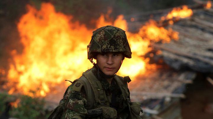 Soldaten gegen die Drogenindustrie - diese Strategie ist trotz erheblicher Gewaltanwendung nie wirklich erfolgreich gewesen.