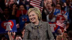 HIllary Clinton hat nach den Vorwahlen in Connecticut, Delaware, Maryland, Pennsylvania und Rhode Island gut Lachen: Die Präsidentschaftskandidatur ist ihr kaum noch zu nehmen.