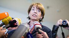 Verhandlung in Düsseldorf: Reker stellt sich ihrem Attentäter