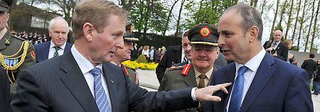 Die Partei des bisherigen irischen Regierungschefs Enda Kenny (l.), Fine Gael, bekommt von Micheal Martins Partei Fianna Fáil die Unterstützung für eine Minderheitsregierung.