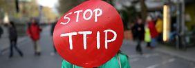 Greenpeace sorgt für mehr Transparenz beim umstrittenen Handelsabkommen TTIP.