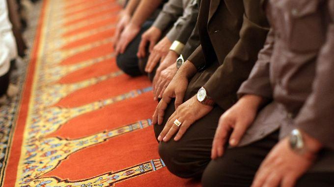 Hassreden in Hinterhöfen: Verfassungsschutz beobachtet 90 Moscheen