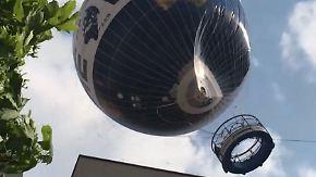 Schreckminuten in Berlin: Aussichtsballon gerät in gefährliche Turbulenzen