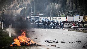 Chaotische Szenen am Brenner: Protest gegen Österreichs Abriegelungspläne endet mit Krawallen