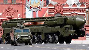 Feier des Siegs über Nazi-Deutschland: Russlands Militär lässt in Moskau die Muskeln spielen