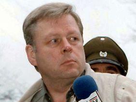 """Sektenarzt und """"Außenminister"""" Hartmut Hopp lebt in Krefeld. Er streitet jegliche Beteiligung an den Verbrechen ab."""