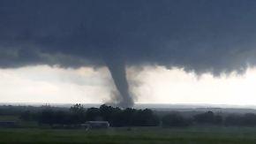 """""""Da fliegt ein Baum"""": Tornados wüten über dem Mittleren Westen der USA"""