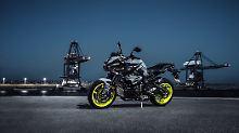 Die Ymaha MT-10 ist ein böse blickendes Nakedbike mit allen Vorzügen seiner Gattung.