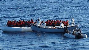 """Tausende Menschen warten in Libyen: Bundestag erklärt Maghreb-Länder zu """"sicheren Herkunftsstaaten"""""""