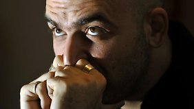 Seit fast acht Jahren steht Saviano auf der Todesliste der Camorra.
