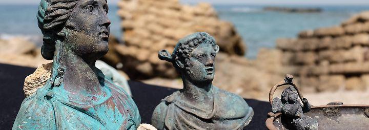 Römisches Handelsschiff vor Israel: Hobbytaucher entdecken spektakulären Schatz