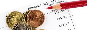 Gebühren-Wirrwarr beim Girokonto: So gängeln Banken und Sparkassen Kunden
