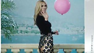 Promi-News des Tages: Heidi Klum überrascht mit frechem Po-Blitzer