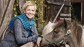 """Ich glaub, mich tritt' ein Pferd!: """"Bauer sucht Frau"""" wird zum Ponyhof"""
