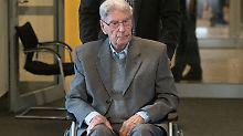 Ein Jahr nach Verurteilung: Ex-Auschwitz-Wachmann ist tot