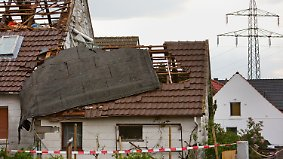 Heftige Unwetter beenden Sommertag: Tornado verwüstet Wohnviertel in Minden