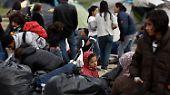 Wildes Camp in Idomeni: Tausende Flüchtlinge müssen einpacken