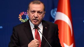 Ohne Visafreiheit kein Deal: Erdogan droht Merkel mit neuer Flüchtlingswelle