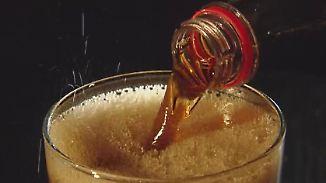 Gesundheitlich bedenkliche Inhaltstoffe: Nur 4 von 30 Cola-Getränken schmecken Stiftung Warentest