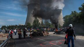 Kampf gegen Arbeitsmarktreform: Gewerkschaft legt mit Streiks und Protesten Teile Frankreichs lahm
