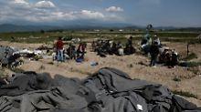 Nach Räumung in Idomeni: Flüchtlinge errichten neues Camp