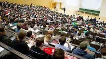 100 Mio für Uni- und Sprachkurse: Bund investiert in Studium von Flüchtlingen