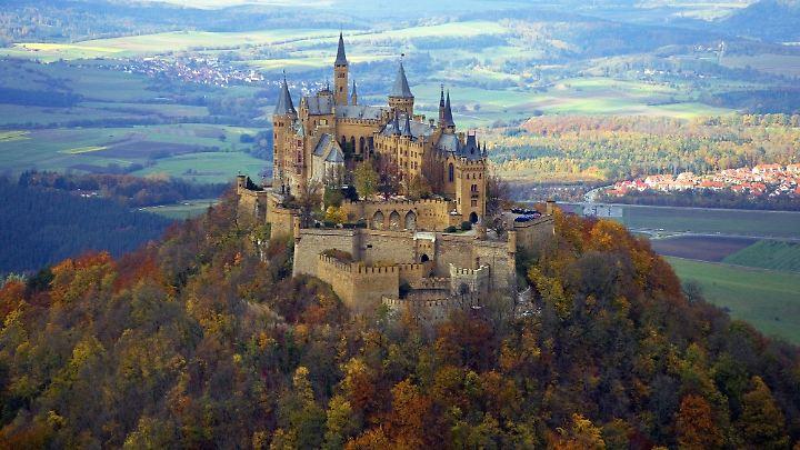 Auf der Burg Hohenzollern kann man eine herrliche Aussicht genießen.