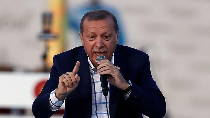 Recep Tayyip Erdogan ist seit 2014 Präsident der Türkei. Davor war er Ministerpräsident des Landes.