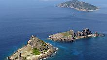 Ein chinesisches Kriegsschiff und drei russisches Marineschiffe sollen nahe den japanischen Senkaku-Inseln gesichtet worden sein.