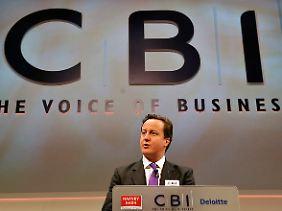David Cameron fordert den Briten viel ab. Die Einschnitte im öffentlichen Sektor dürften sich negativ auf das Wachstum auswirken.