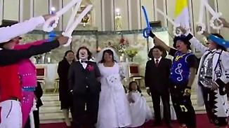 Schabernack am Hochzeitstag: Wenn ein Clown in Peru heiratet