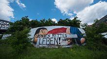 Spur führt in rechtsextreme Szene: Unbekannte zerstören Aylan-Gemälde