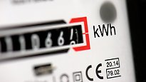 Trotz Preis-Tiefflug an der Börse: Strom bleibt für Verbraucher ein teures Vergnügen