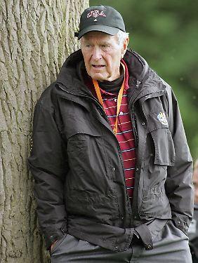 George H.W. Bush sieht seinen Ältesten kritisch.