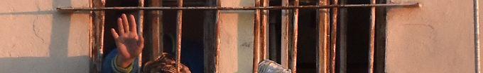 Der Tag: 07:20 29 Häftlinge fliehen durch 40 Meter langen Tunnel
